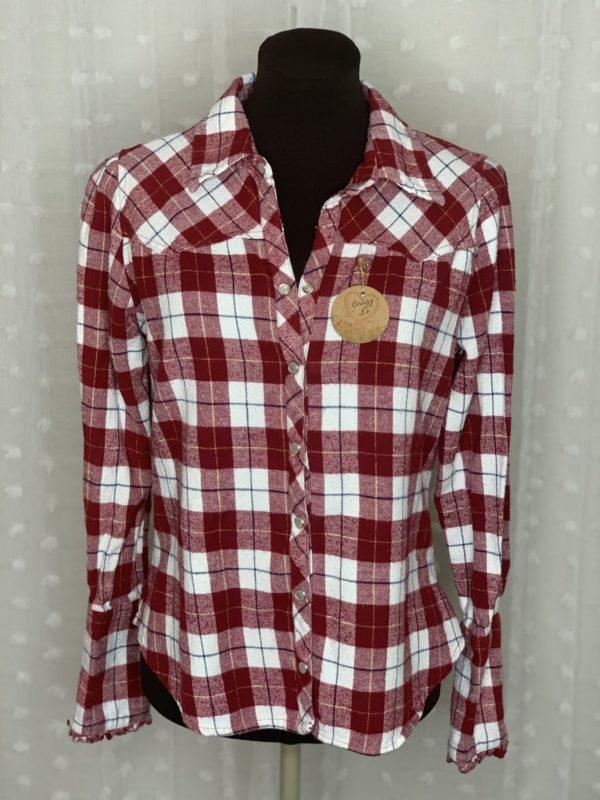 red white plaid flannel womens shirt I love my apron